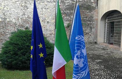Set Bandiere Italia Europa ONU