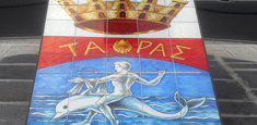 Stemma della Città di Taranto raffigurante Taras su un delfino
