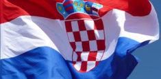 Bandiera della Croazia al vento