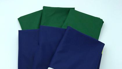 bandiera italiana e bandiera europea in offerta